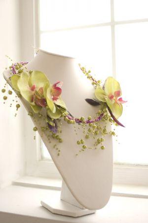 floralneck.jpg